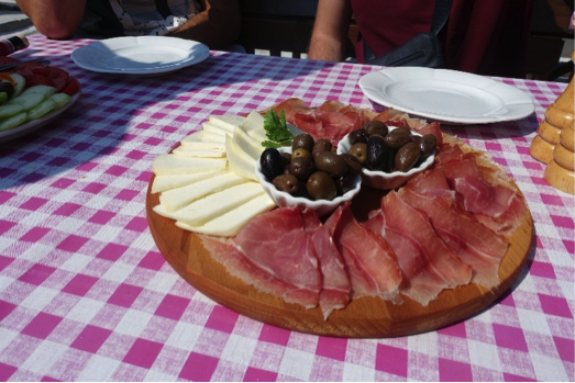 blog-montenegrin-prosciutto-cheese-nomad-tours-montenegro