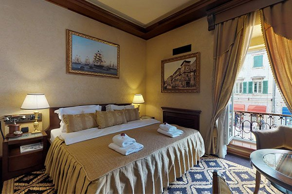 accomodation-hotel-centreville-nomad-tours-montenegro