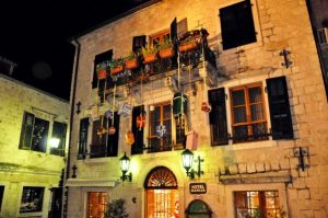 blog-old-town-kotor-decoration-new-year