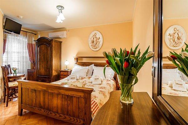 accomodation-hotel-monte-cristo-nomad-tours-montenegro