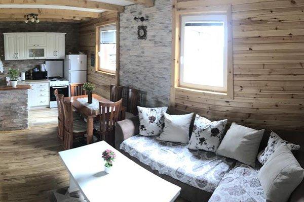 accomodation-villa-elena-zabljak-nomad-tours-montenegro