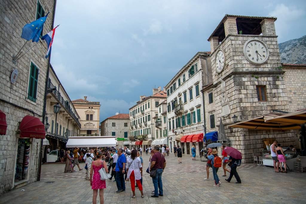 blog-kotor-old-town-clock-tower