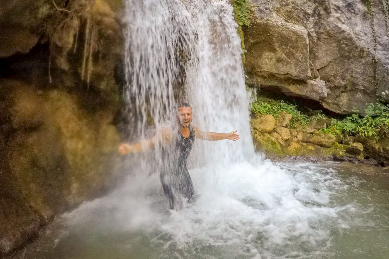 rafting-waterfall-montenegro